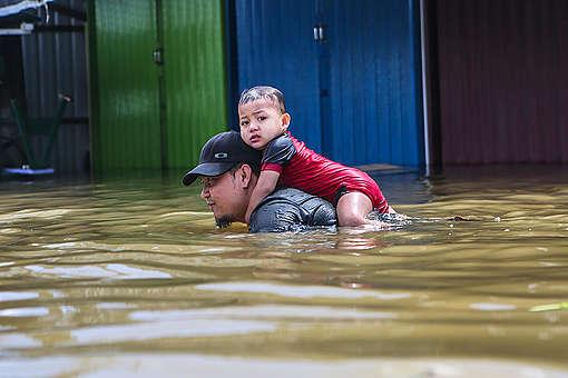 Flood in Samarinda, East Kalimantan. © Saipul Anwar / Greenpeace