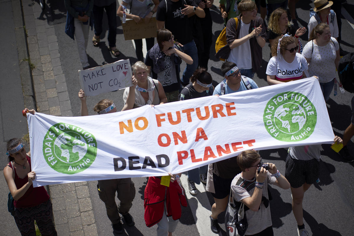 "International ""Fridays for Future"" Demonstration in Aachen. © Anne Barth / Greenpeace"