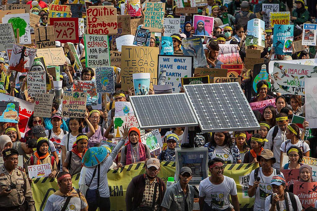 Global Climate Strike in Jakarta. © Afriadi Hikmal / Greenpeace