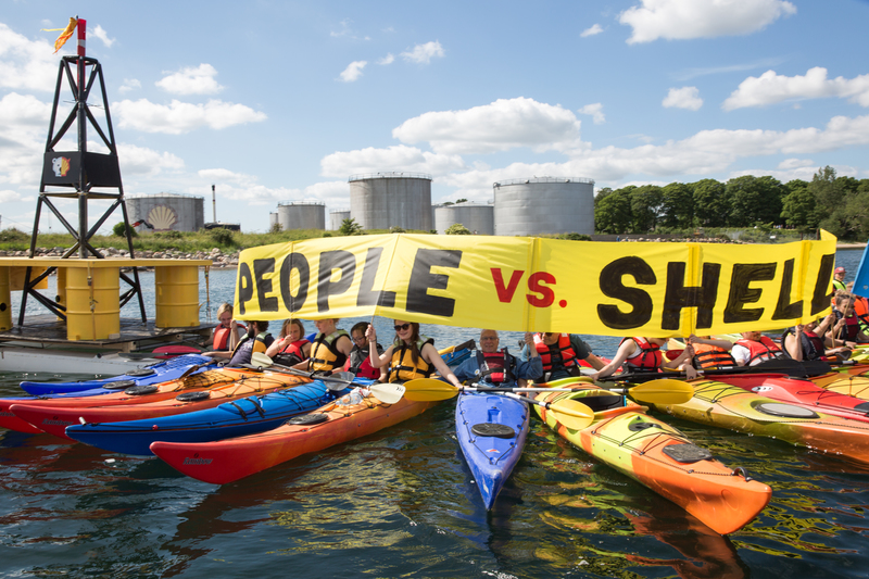 Protest against Shell at Fredericia in Denmark © Jason White / Greenpeace