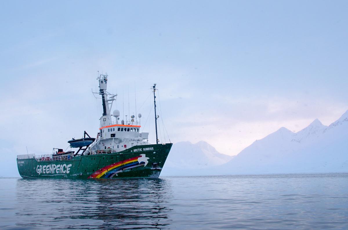MY Arctic Sunrise in Svalbard © Rasmus Törnqvist / Greenpeace
