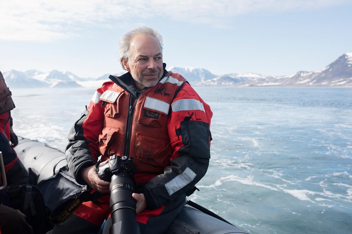 Carl Safina in Svalbard © Christian Åslund / Greenpeace