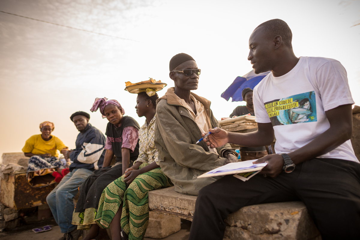 Collecting Fisheries Petitions in Senegal © Clément Tardif / Greenpeace