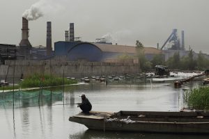 Xuzhou Steel Group's Plant near Weishan Lake © Lu Guang / Greenpeace