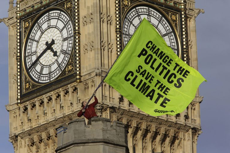 Climate Action at Westminster Palace in London © Nick Cobbing / Greenpeace
