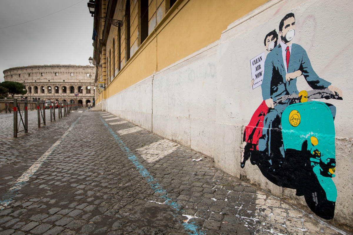 Clean Air Street Art Action in Rome © Lorenzo Moscia / Greenpeace