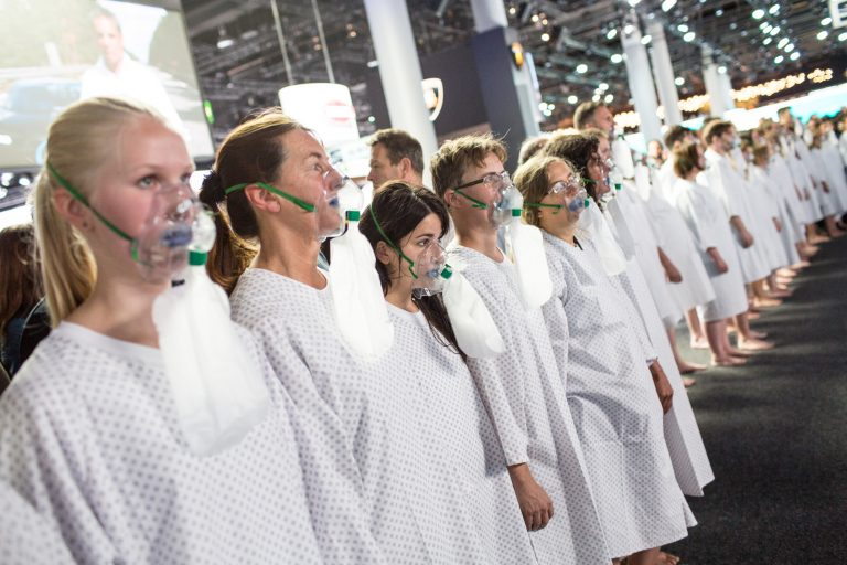 Performance for Clean Air at IAA in Frankfurt. © Maria Feck / Greenpeace