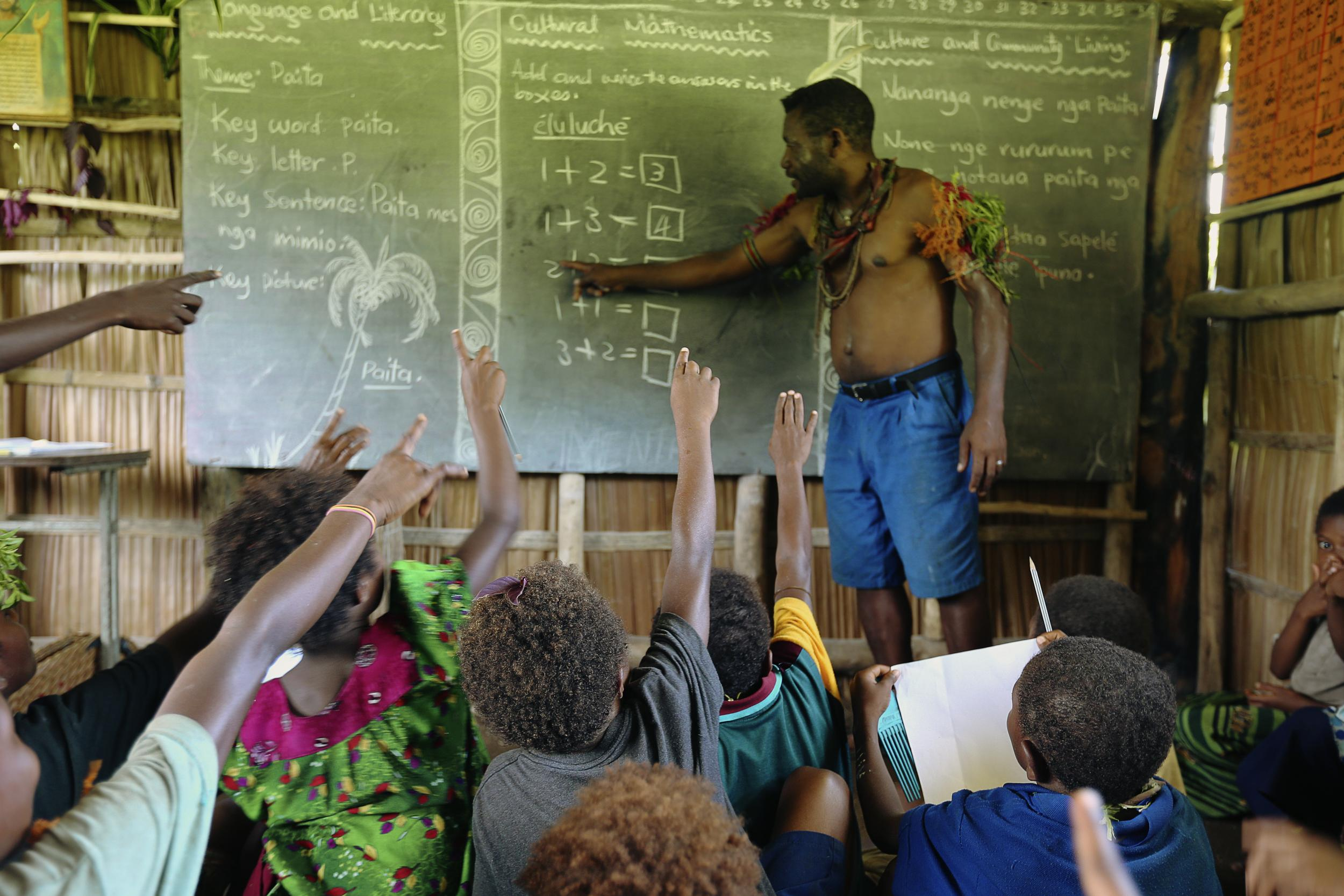 Tavolo Community School in Papua New Guinea. © Greenpeace / John Novis