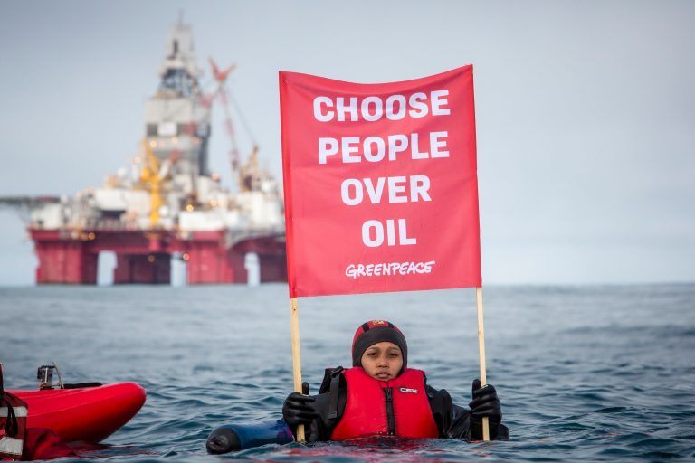 Arctic Sunrise Protests in the Barents Sea © Will Rose / Greenpeace