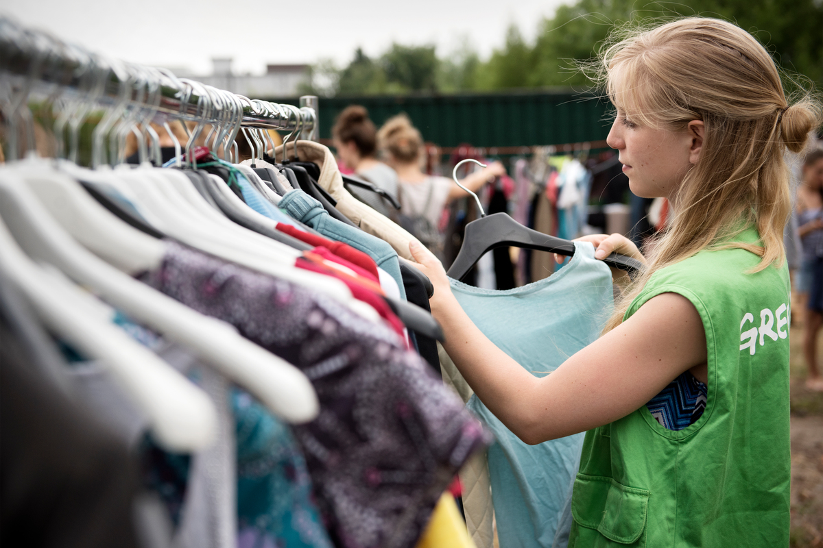 A clothes swap in Hannover, among the events taking place in 40 German cities © Michael Loewa / Greenpeace