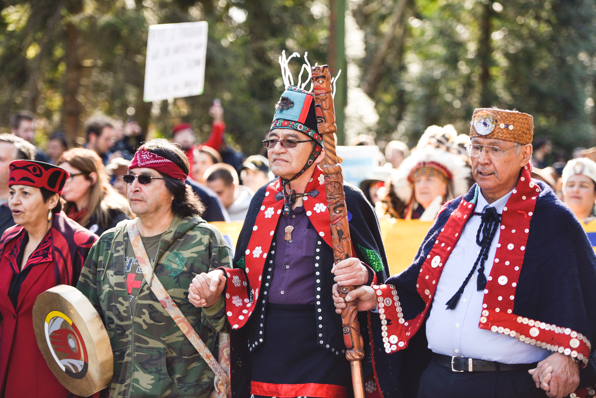 Chief Na'Moks in Vancouver at Kinder Morgan Pipeline Resistance March © Rogue Collective