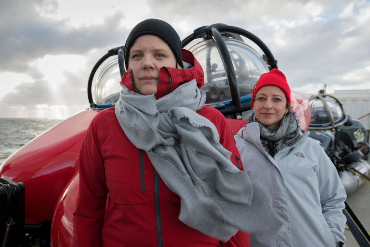 Frida Bengtsson and Susanne Lockhart on the Arctic Sunrise © Christian Åslund / Greenpeace