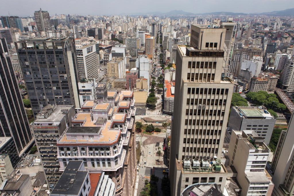 Aerial View over São Paulo © Otávio Almeida / Greenpeace