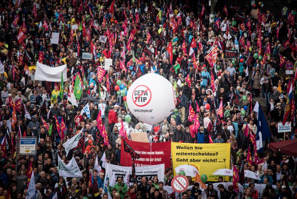TTIP/CETA Demonstration in Berlin © Ruben Neugebauer / Greenpeace