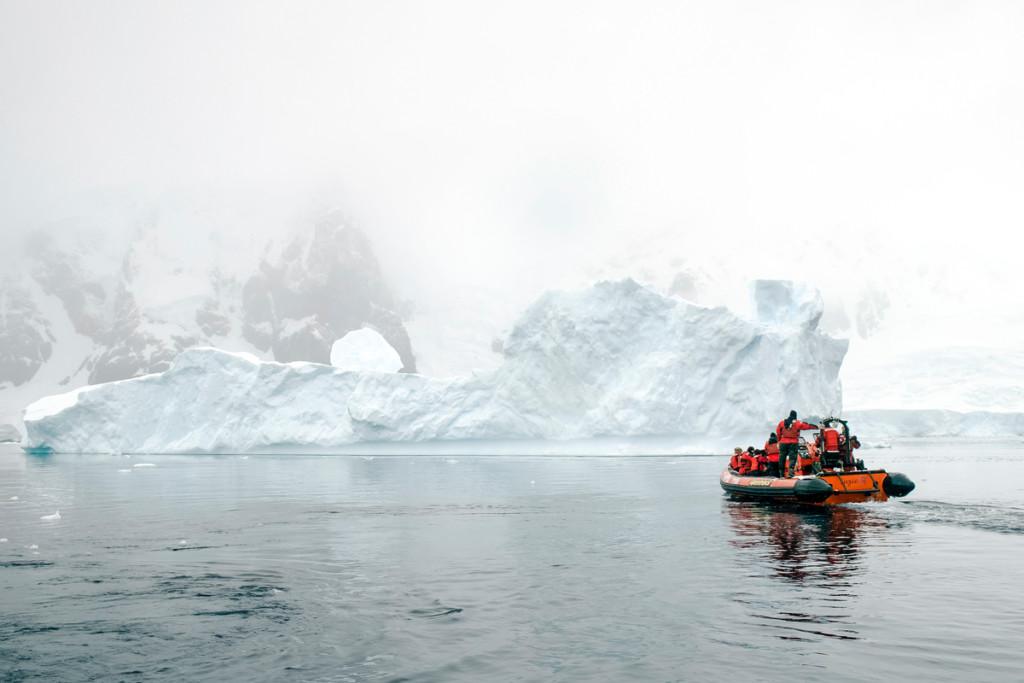 Errera Channel in the Antarctic © Daniel Beltrá / Greenpeace