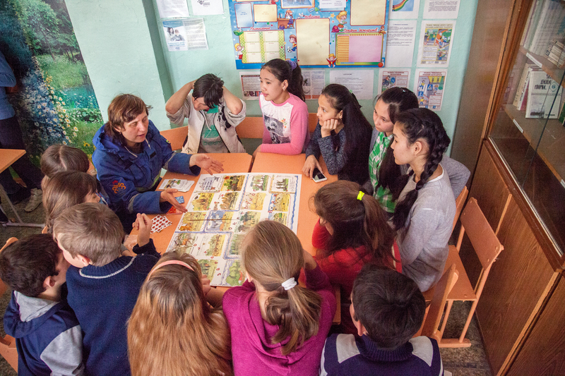 Volunteers hold workshops with children in Russia's Astrakhan region where burning dry grass is a big problem for the forest and fire department.