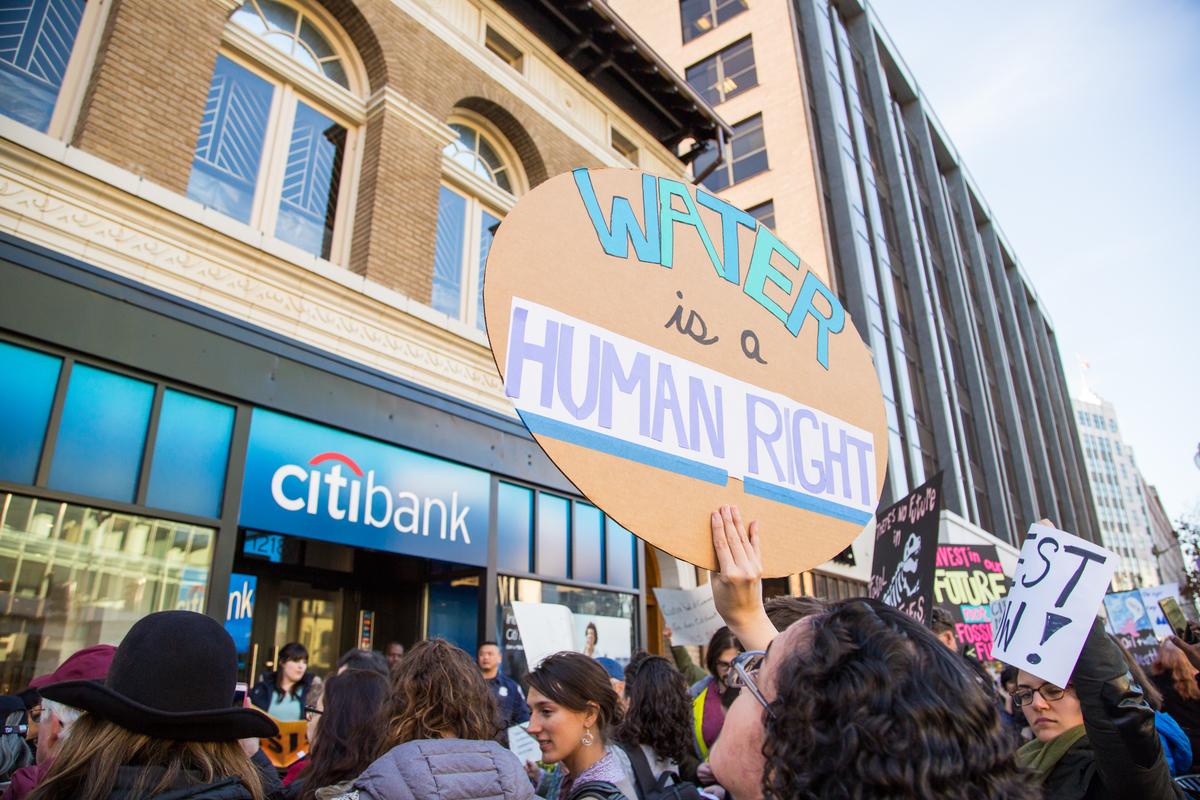 Citibank DAPL Protest in Washington D.C. © Amanda J. Mason / Greenpeace