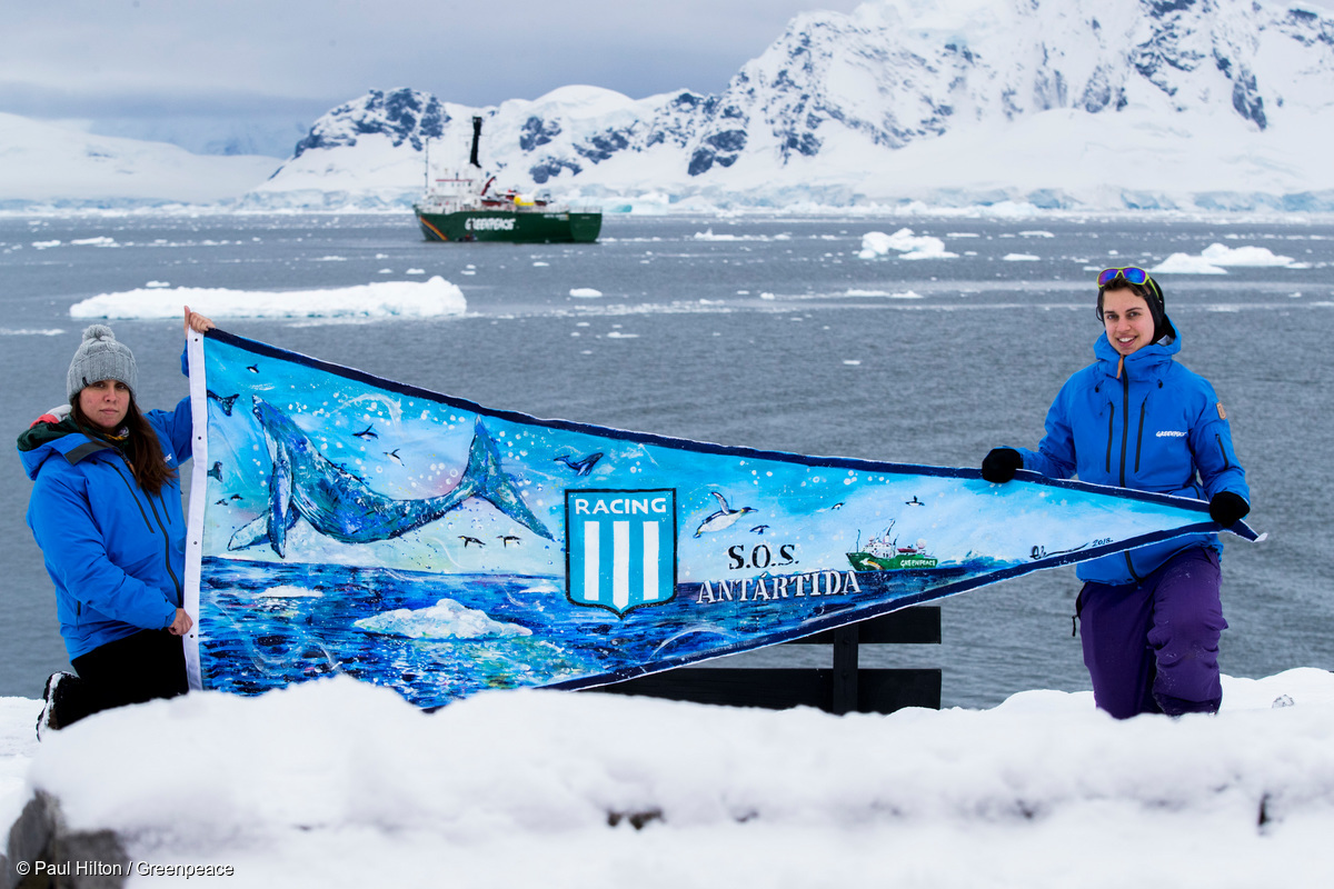 Argentine Soccer Pennant in the Antarctic © Paul Hilton / Greenpeace