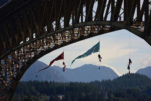 Bridge Blockade In Vancouver © Greenpeace