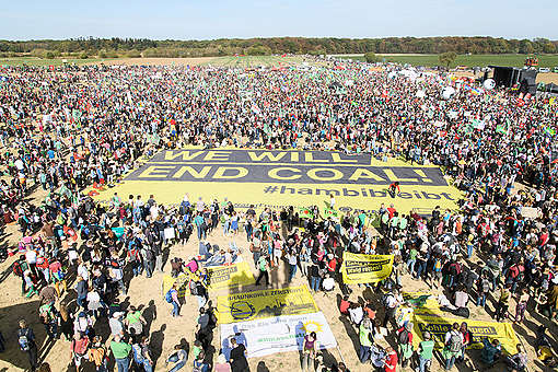 Demonstration for Climate Protection and Hambach Forest © Bernd Arnold / Greenpeace
