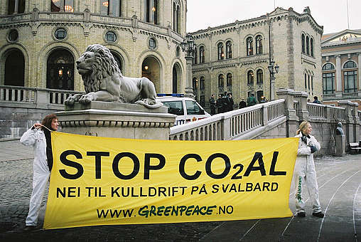 Action against Coal Mining in Norway © Greenpeace / Ulvar Arnkvaern