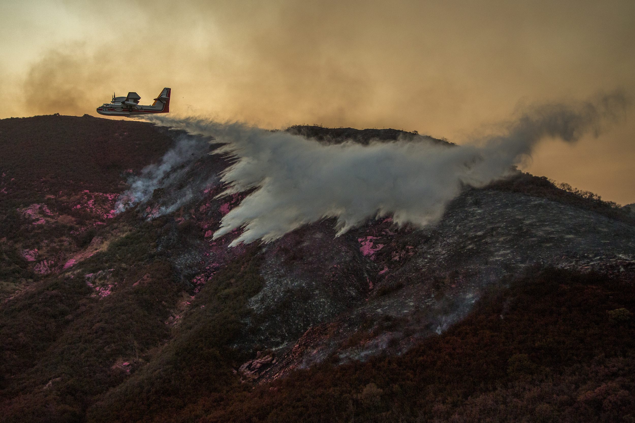 California Holy Wild Fire © David McNew / Greenpeace