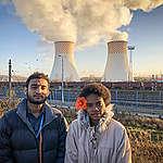 Kelvin with Litia Baleilevuka © Andrew Kelly/Greenpeace