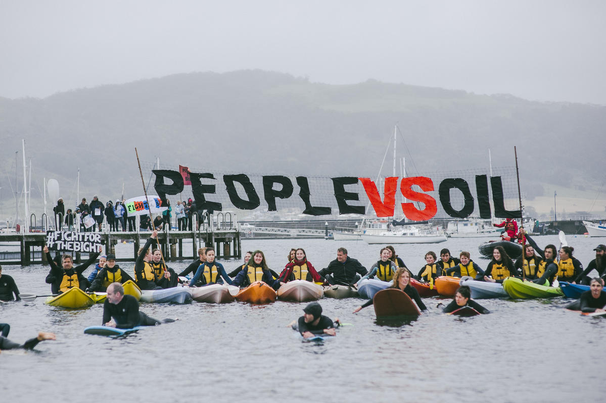 Making Oil History Community Flotilla in Apollo Bay, Australia. © Sarah Pannell