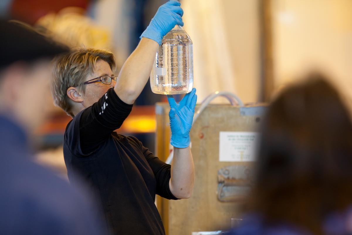 Danish scientist, Signe Klavsen, investigating ocean acidification © Nick Cobbing / Greenpeace