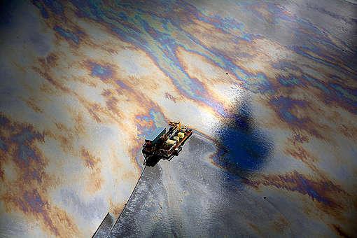 Aerial view of oily surface, Alberta Tar sands © Jiri Rezac / Greenpeace