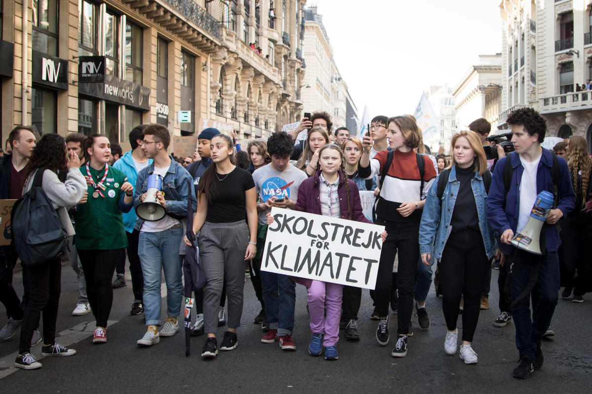 Greta Thunberg Leads Student March for Climate in Paris. © Elsa Palito / Greenpeace