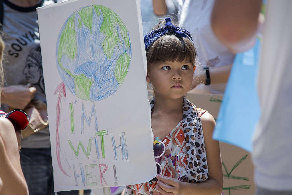 Fridays for Future Student Demonstration in Bangkok. © Biel Calderon / Greenpeace