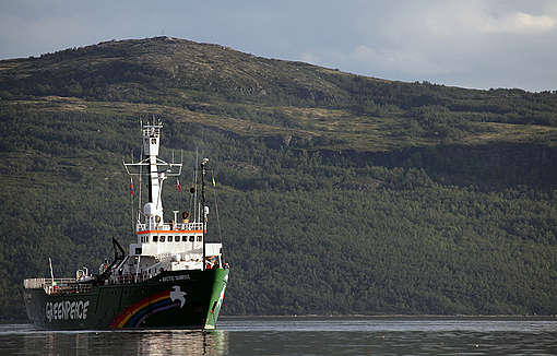 Arctic Sunrise Arrives in Murmansk © Greenpeace / Igor Podgorny