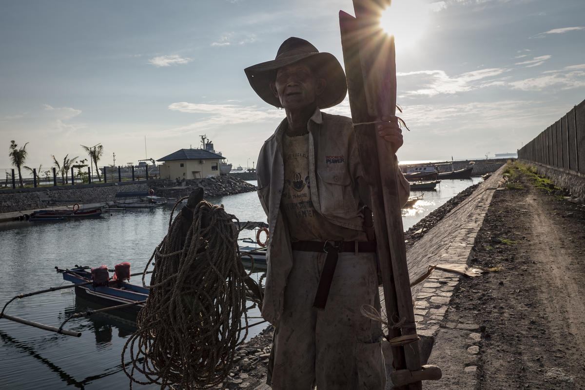 Mawi, a fisherman at the port on May 5, 2019 in Cilegon city, Banten Province, Indonesia. Local fishermen complaining now they more difficult to get fish after reclamation for new coal plant. © Ulet Ifansasti / Greenpeace