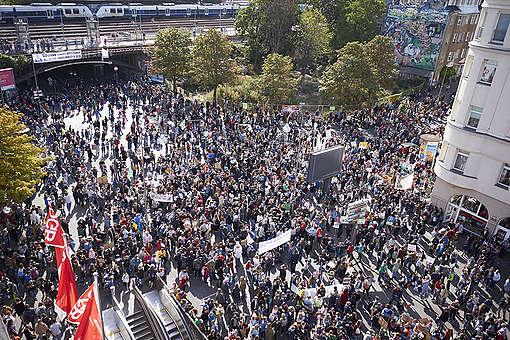 Global Climate Strike in Cologne. © Anne Barth / Greenpeace
