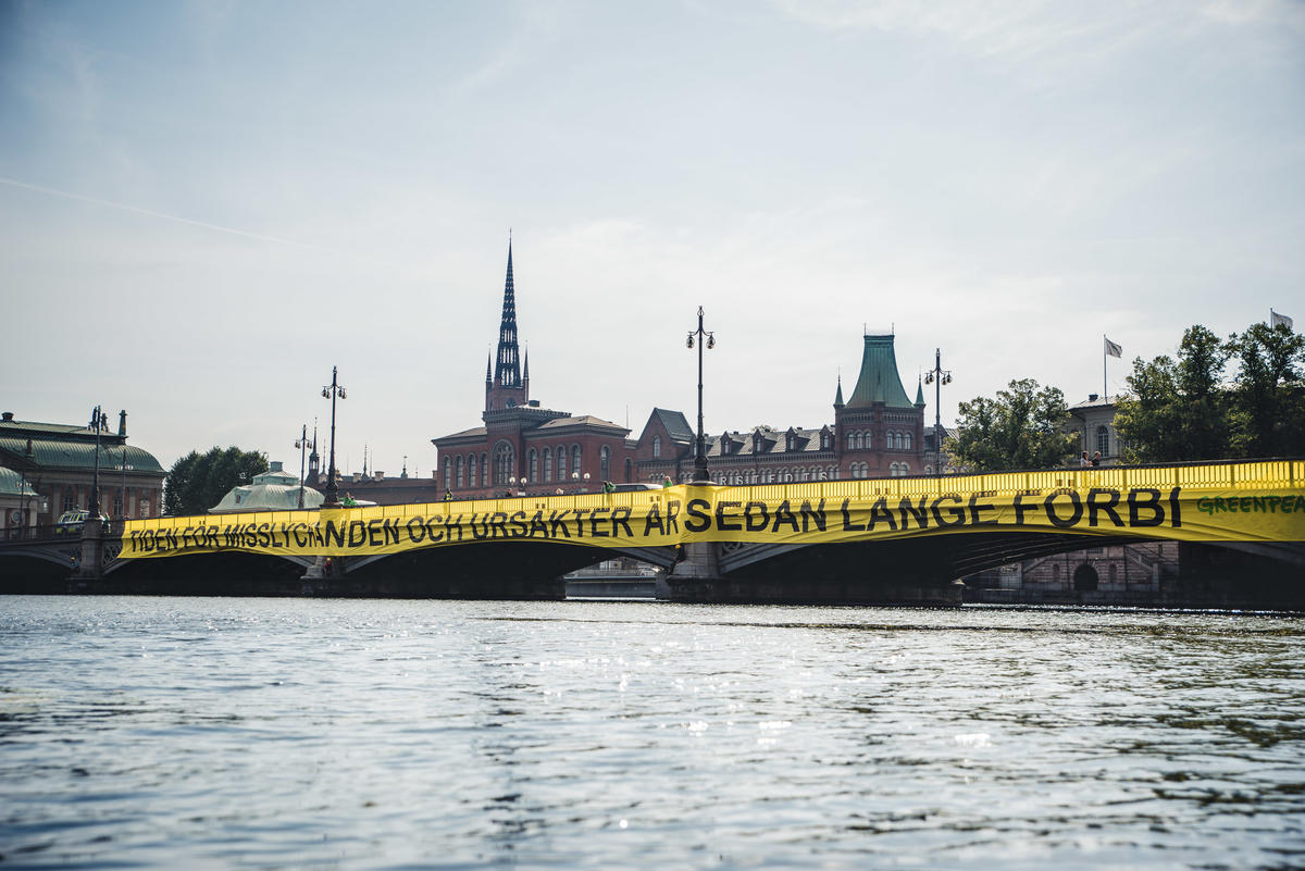 Climate Emergency Action at Swedish Parliament in Stockholm. © Jana Eriksson / Greenpeace