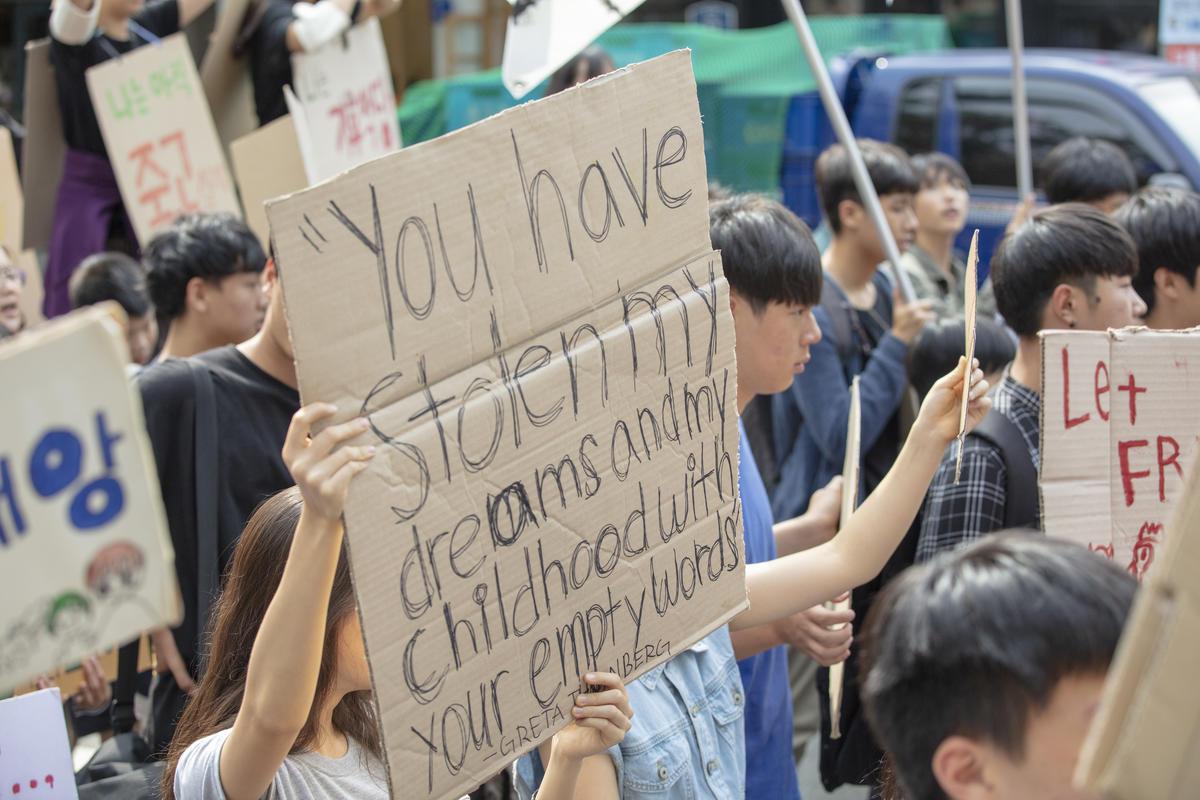 Youth Climate Strike in Seoul, S.Korea. © Soojung Do / Greenpeace