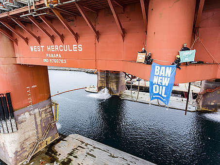 Protest in Norway on Oil Rig Bound for Arctic Drilling. © Jani Sipilä / Greenpeace