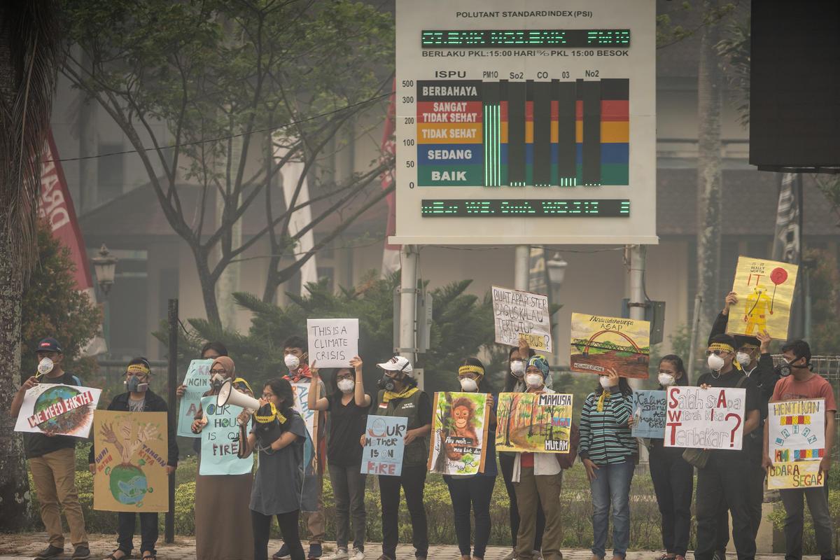 Forest Fires Protest in Central Kalimantan. © Jurnasyanto Sukarno / Greenpeace