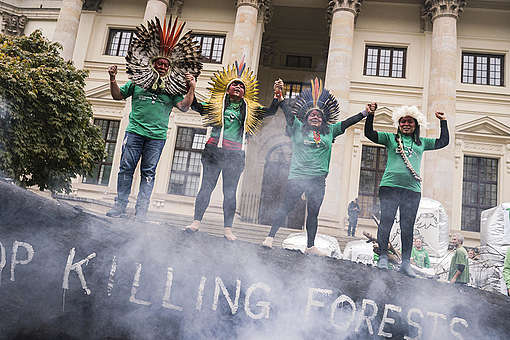 Protest Action at the Consumer Goods Forum (CGF) Global Summit in Berlin. © Kevin McElvaney / Greenpeace