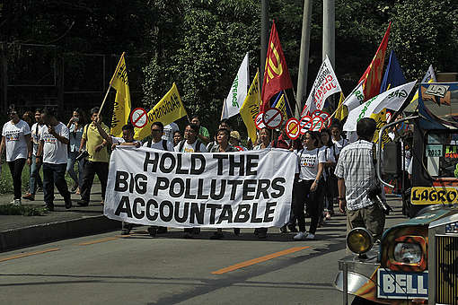 Petition Filing at Commission on Human Rights (CHR) in Quezon City © Vincent Go / Greenpeace