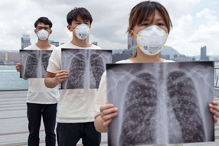 'We Want Clean Air' Action in Hong Kong. © Patrick Cho / Greenpeace