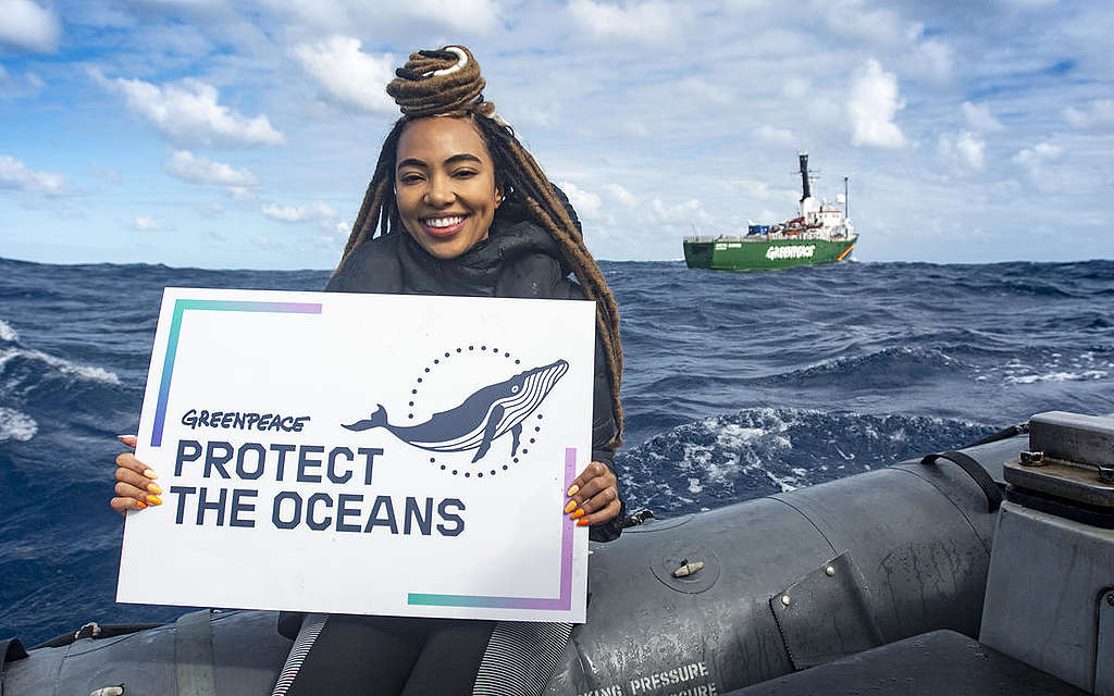 Amanda Du-Pont on MY Arctic Sunrise in South Atlantic Ocean. © Richard Barnden / Greenpeace