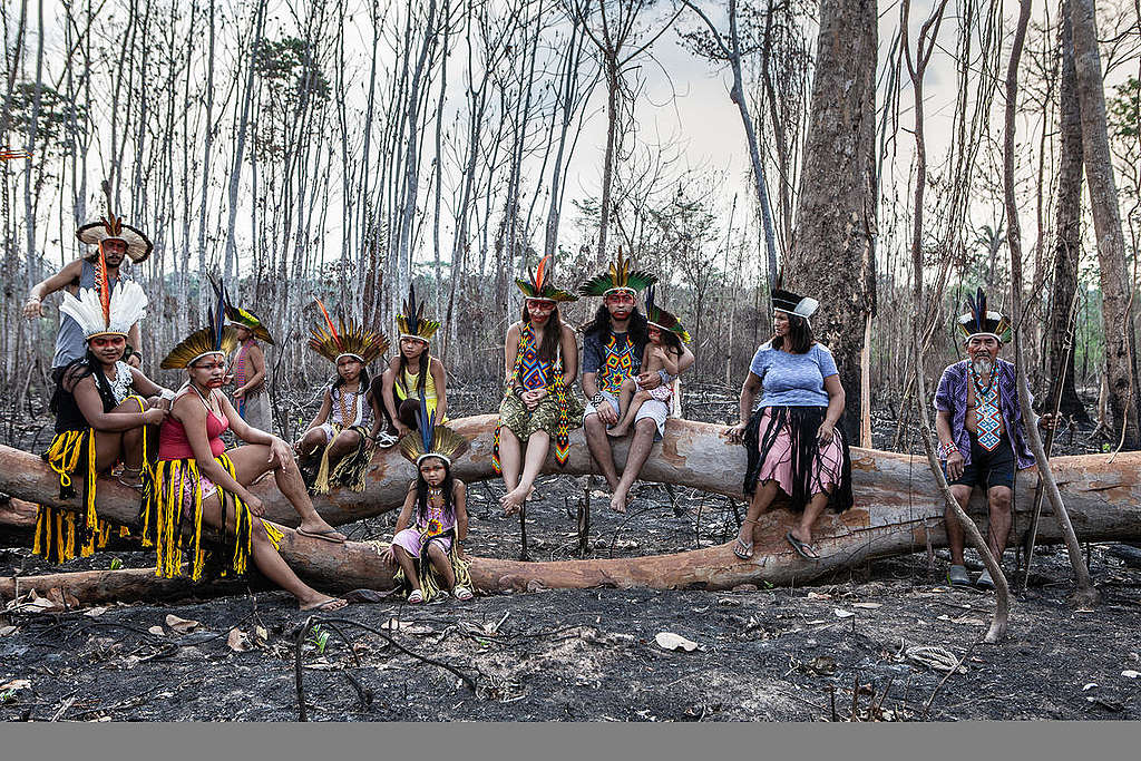 Members of Huni Kuin Tribe in Brazil. © Denisa Šterbová / Greenpeace