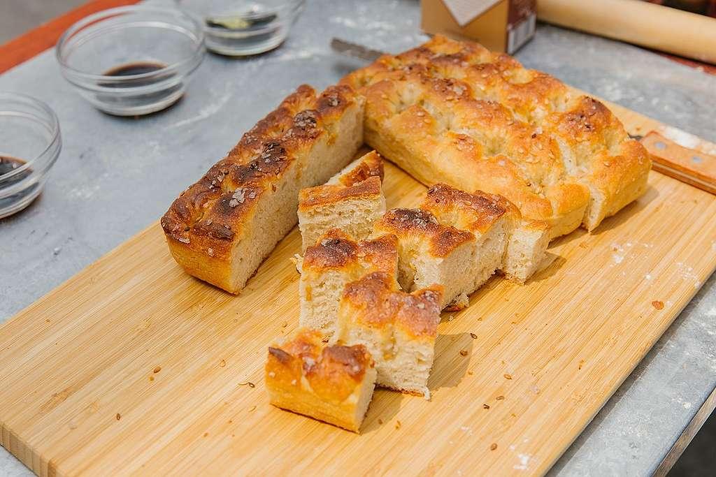Focaccia bread. © Greenpeace