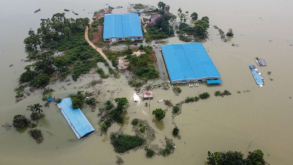 The flooded area near Poyang Lake due to torrential rains in Poyang county of Shangrao city in China's central Jiangxi province. © HECTOR RETAMAL/AFP via Getty Images