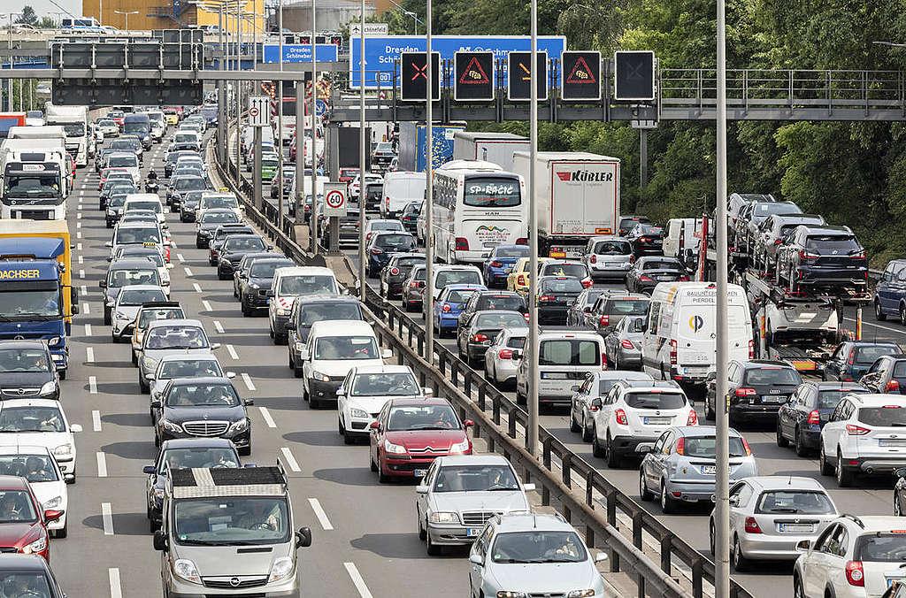 Traffic Jam in Berlin. © Paul Langrock / Greenpeace