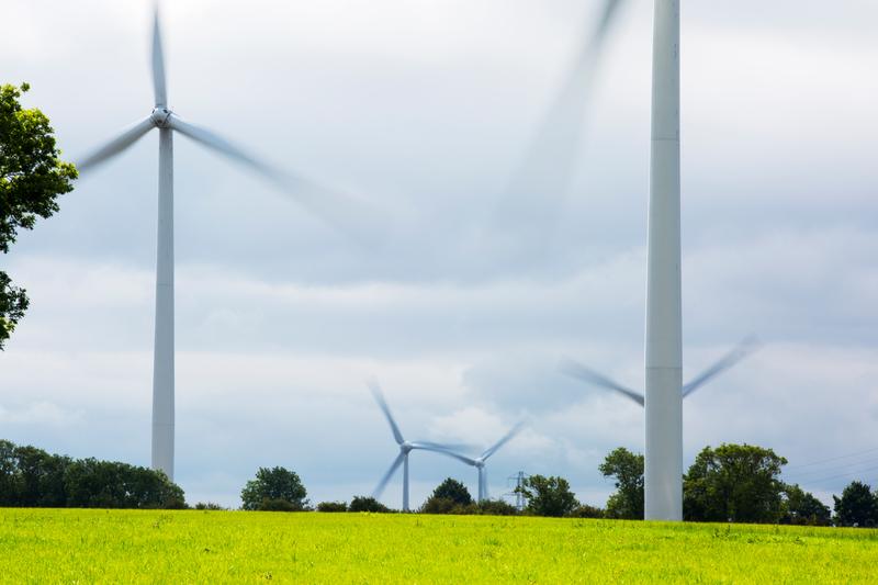 Yelvertoft wind farm near Cranford, Northamptonshire, UK.