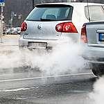 In città non si respira e il nostro governo vuole indebolire la direttiva europea sulle emissioni