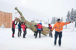 Statue of Justice Activity in Davos. © Flurin Bertschinger